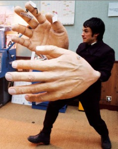 huge_hands_10_Reasons_Why_Big_Boobs_Suck_King_of_Fighters_Animation-s425x535-278909-535